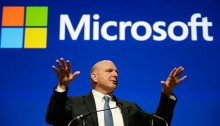 Former Microsoft CEO Steve Ballmer during the company's annual shareholders meeting in Bellevue, Wash, November 2013. An individual with knowledge of negotiations to sell the Los Angeles Clippers said Shelly Sterling has reached an agreement to sell the team to Ballmer for $2 billion. (AP Photo/Elaine Thompson, File)
